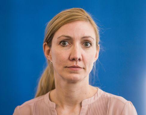 """Die Virologin Sandra Ciesek wechselt sich mit Christian Drosten im NDR-Podcast """"Coronavirus-Update"""" ab"""