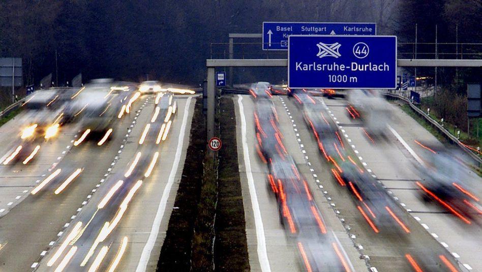 Autobahn 5 bei Karlsruhe: Der ADAC weicht seine Haltung zu einem Tempolimit auf