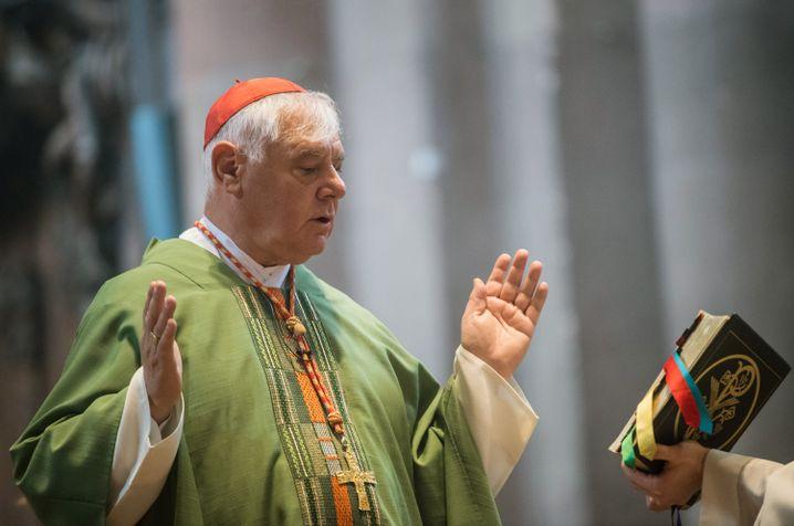 Kardinal Gerhard Ludwig Müller während eines Gottesdienstes im Dom in Mainz