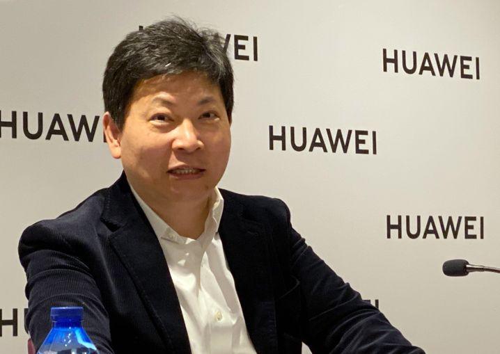 Huawei-CEO Richard Yu beim Gespräch mit Journalisten in Barcelona