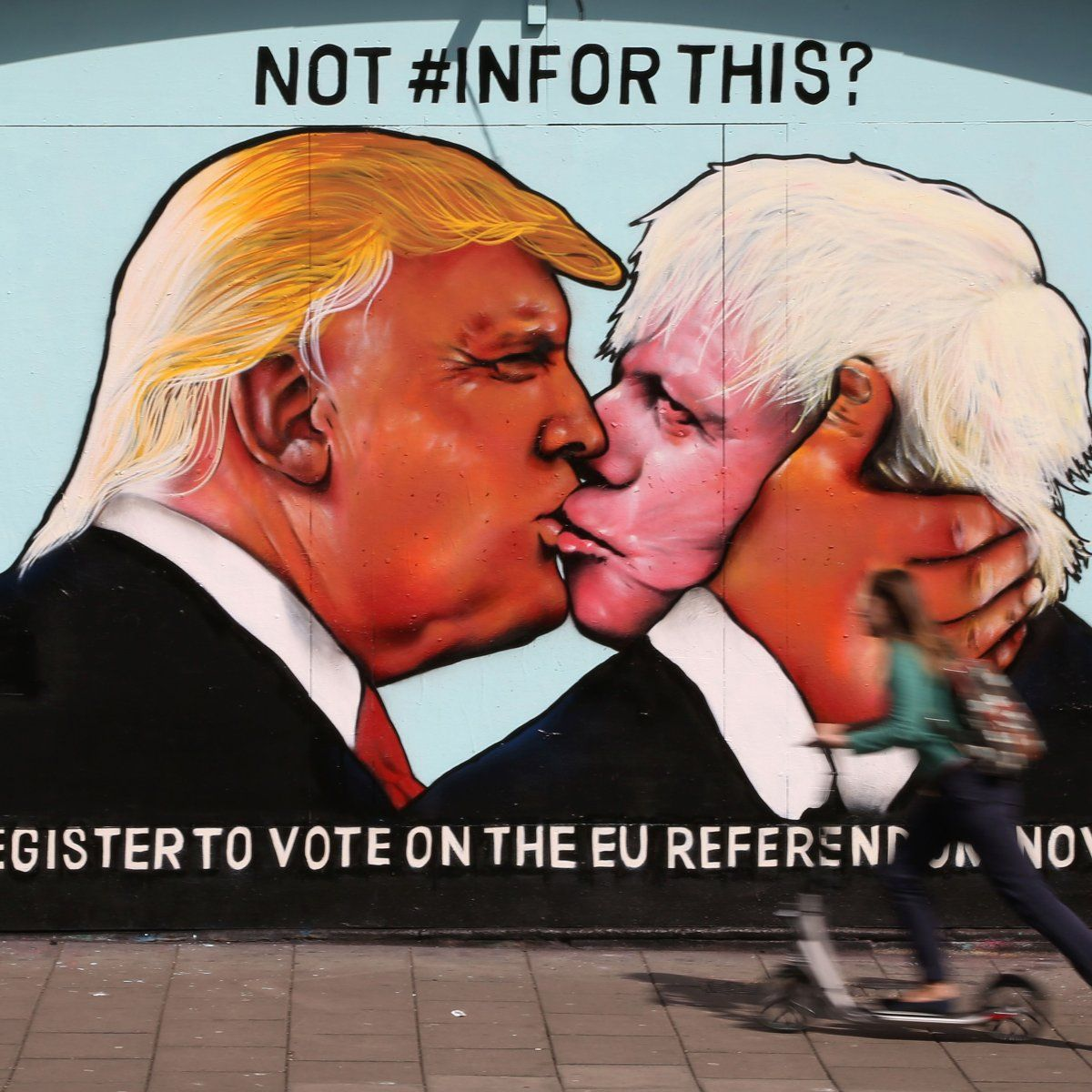 BRITAIN-US-REFERENDUM-EU-POLITICS-MURAL