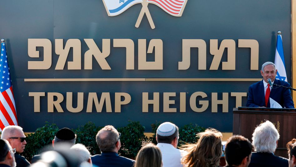 """""""Trump-Höhen"""": Schon 2019 enthüllte Netanyahu das Stadtschild, jetzt soll der Bau beginnen"""