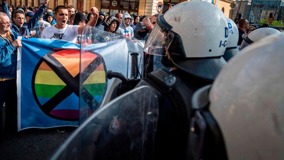 Gegendemonstranten versuchen 2019, eine Pride-Parade im ostpolnischen Lublin zu stören