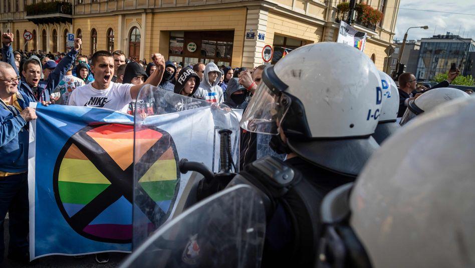 Homophobe Gegendemonstranten in Lublin