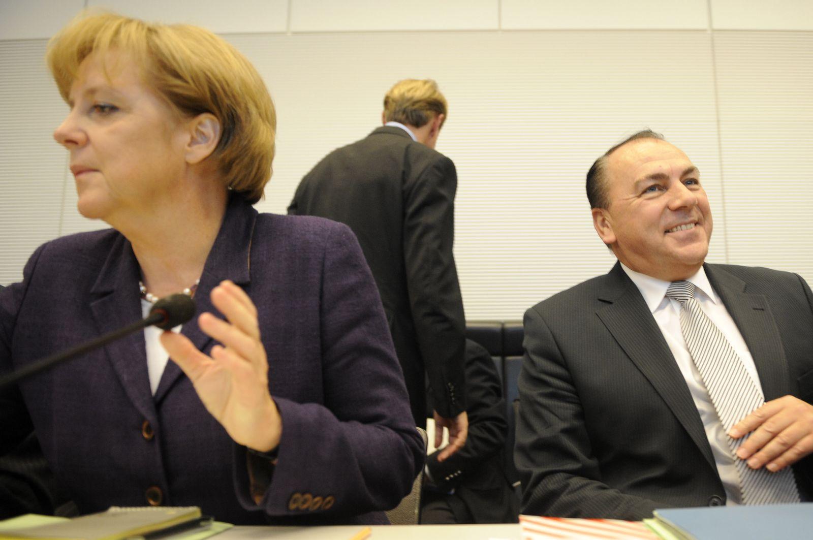 NICHT VERWENDEN Merkel / Weber