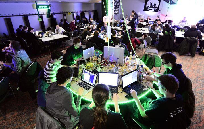 Hacker-Dorfgemeinschaft: Codezeilen und Zuckerwatte