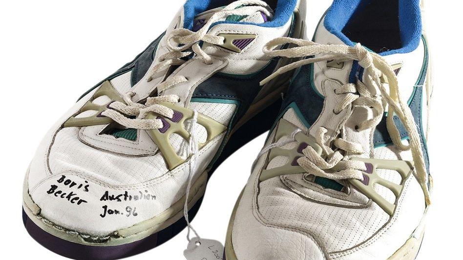 Zum Verkauf angebotene Becker-Schuhe »Vermögenswerte zu Geld machen«