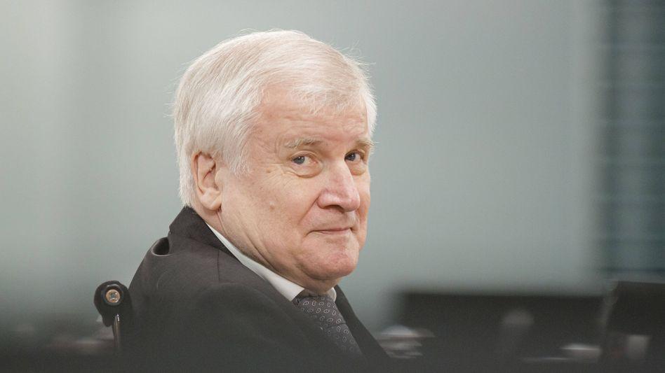 """Minister Seehofer: Dann """"wird das gestoppt"""""""