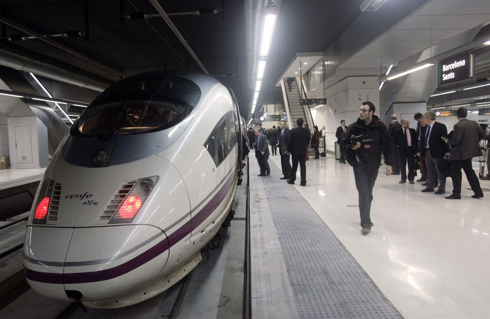 Spanien / Hochgeschwindigkeitszug AVE