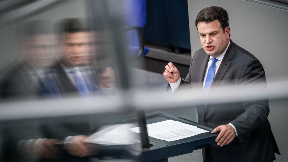 Arbeitsminister Hubertus Heil will die Verhältnisse in Schlachtbetrieben ändern