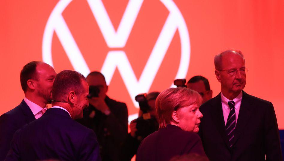 Kanzlerin Merkel, VW-Aufsichtsrat Hans Dieter Pötsch in Zwickau 2019