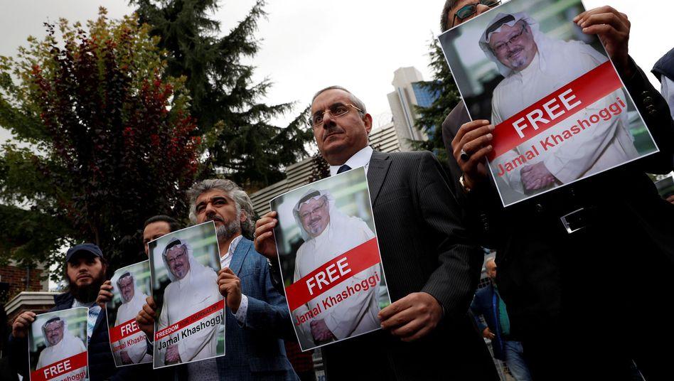 Proteste vor der saudi-arabischen Botschaft in Istanbul