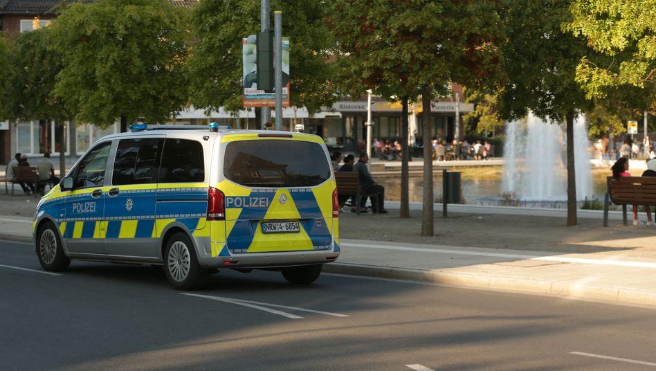 Polizeifahrzeug im nordrhein-westfälischen Stolberg
