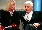 Seit über 30 Jahren ist Gunter Sachs in dritter Ehe mit der Schwedin Mirja Larsson verheiratet