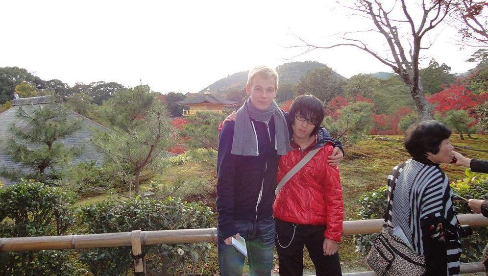Max in Japan: Stehend liegen lernen