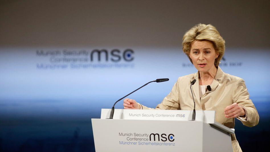 Verteidigungsministerin von der Leyen: Warnung vor Waffenlieferungen