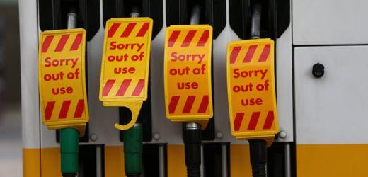 Großbritannien nach Brexit: Tausende Tankstellen ohne Benzin – Regierung erwägt Einsatz der Armee