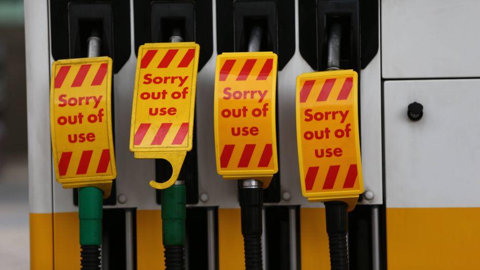 Stillgelegte Zapfsäulen in London: Nachfrage übersteigt Angebot laut Verband um Hunderte Prozent