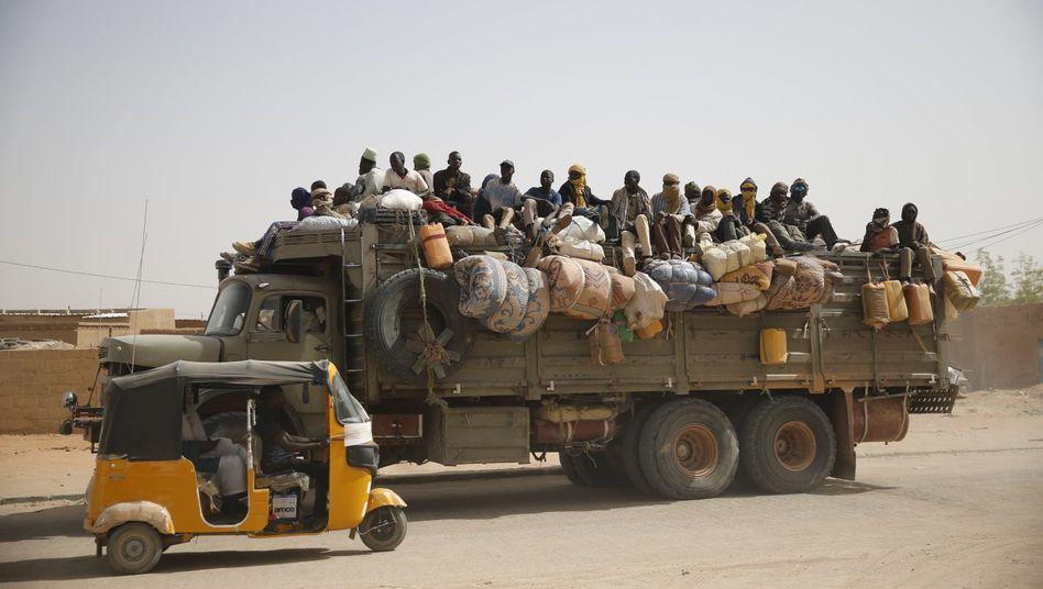 Lastwagen mit Migranten in Niger (Archivaufnahme)