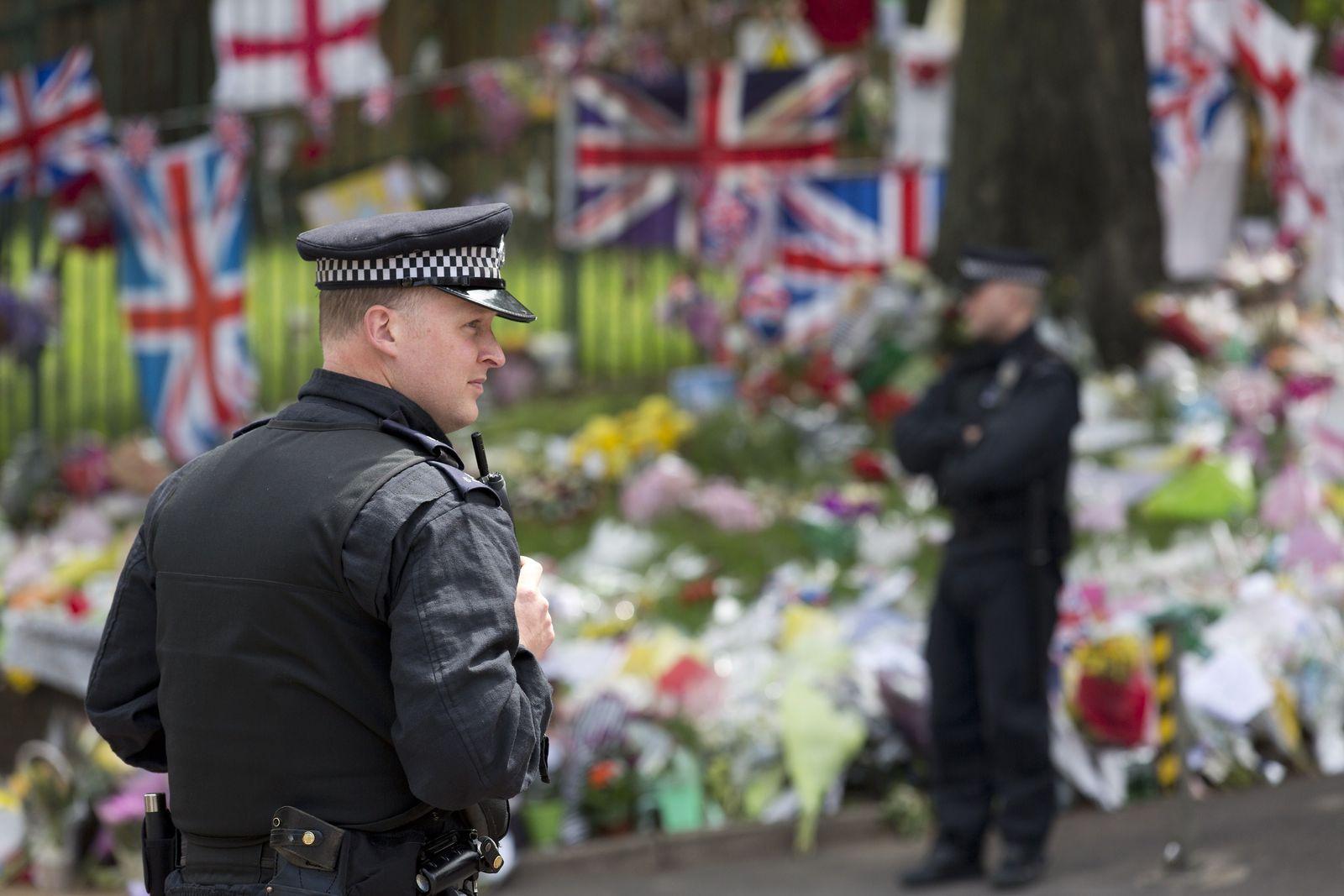 BRITAIN-UNREST-MILITARY-MURDER