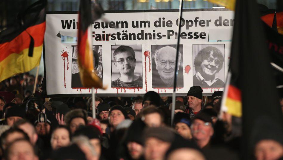 """Pegida-Demo nachTerror in Frankreich: """"Schlimm, das in Paris, aber ..."""""""