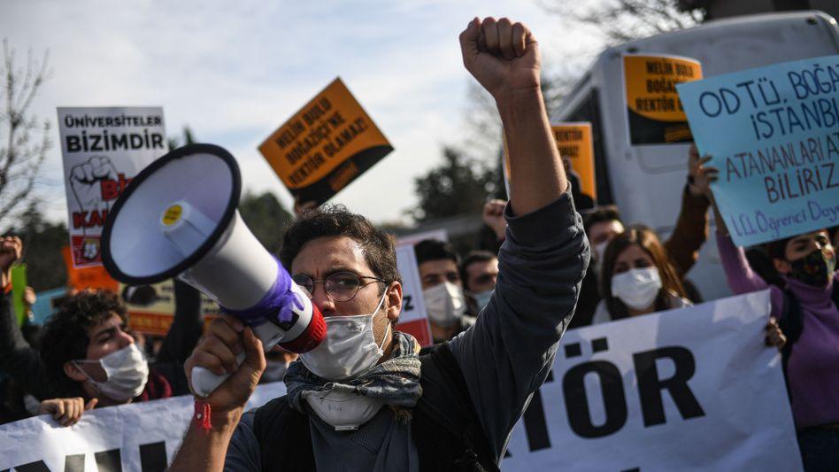 Demonstration gegen den neuen Rektor: »Verstoß gegen den Grundsatz der Gedankenfreiheit«