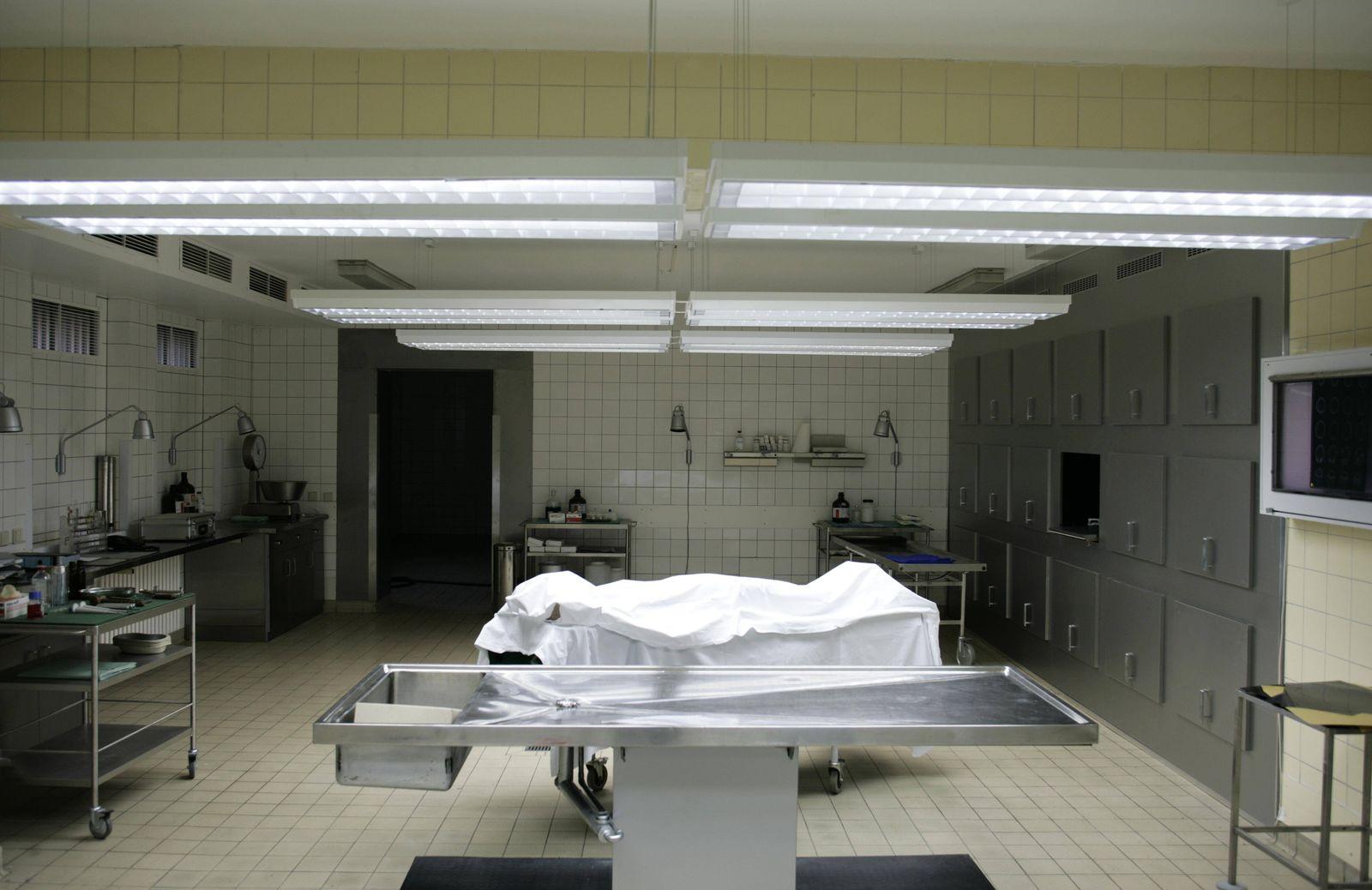 Pathology department in a hospital PUBLICATIONxINxGERxSUIxAUTxONLY Copyright TeamxStatic fStopImage