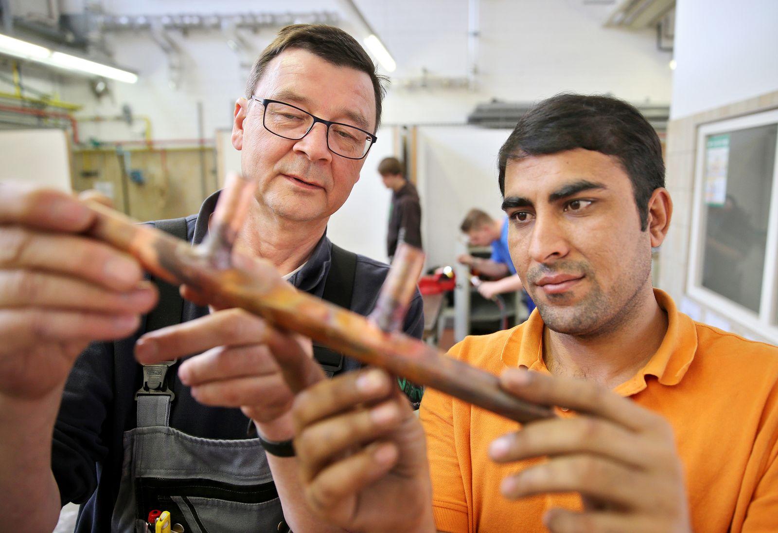 Flüchtling als Lehrling in Chemnitz / Azubi / Flüchtlinge