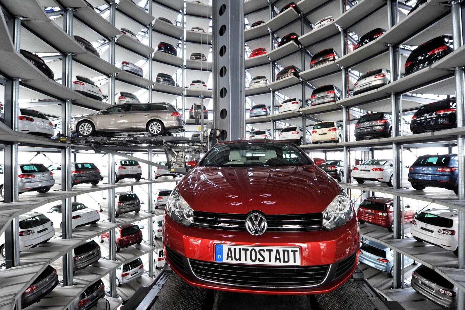 Volkswagen Wolfsburg Autotürme (Kopie)