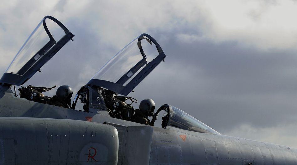 Kampfjet der Luftwaffe: Dürfen auch weiterhin keine gekaperten Flugzeuge abschießen