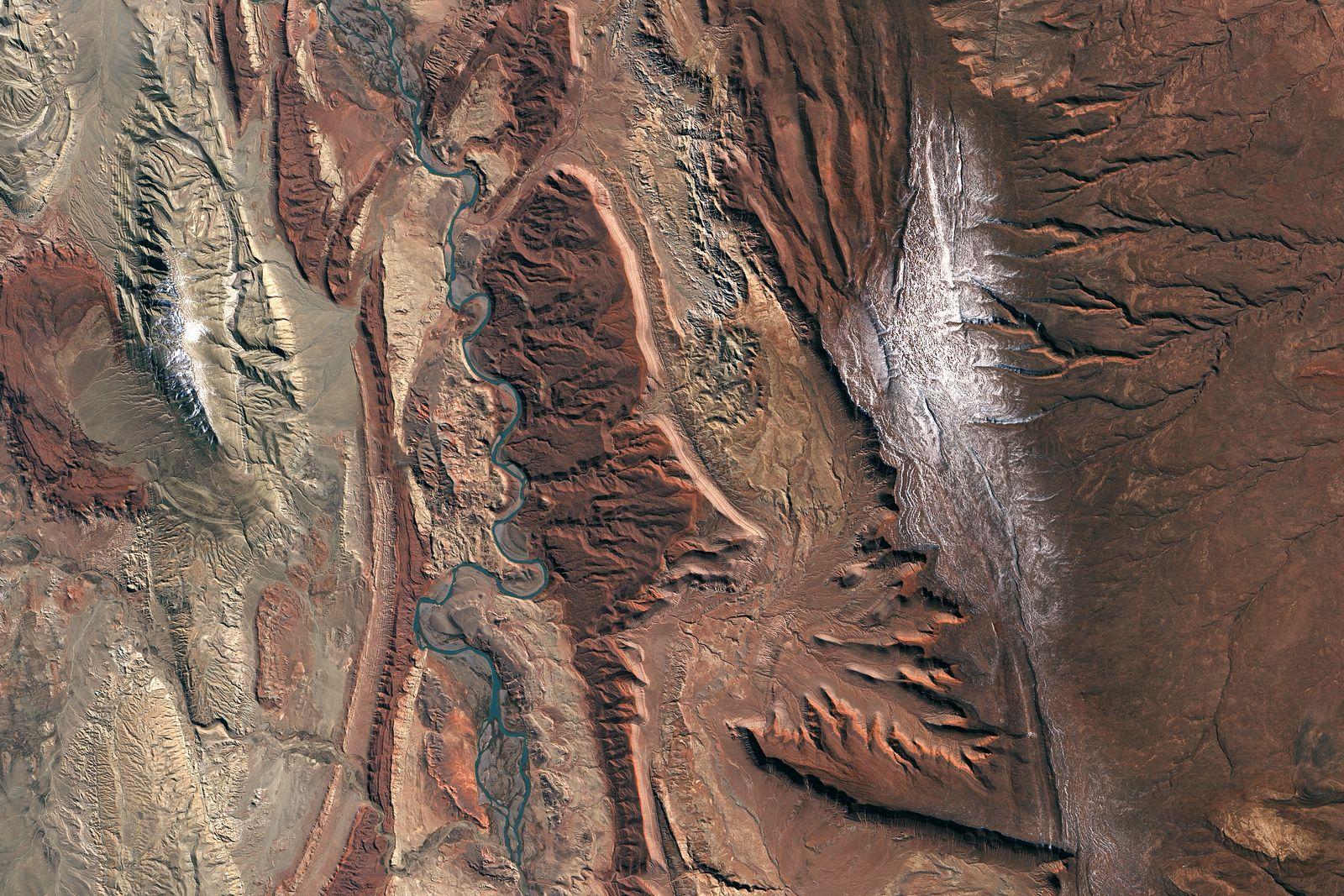 EINMALIGE VERWENDUNG Satellitenbild/ KW 43