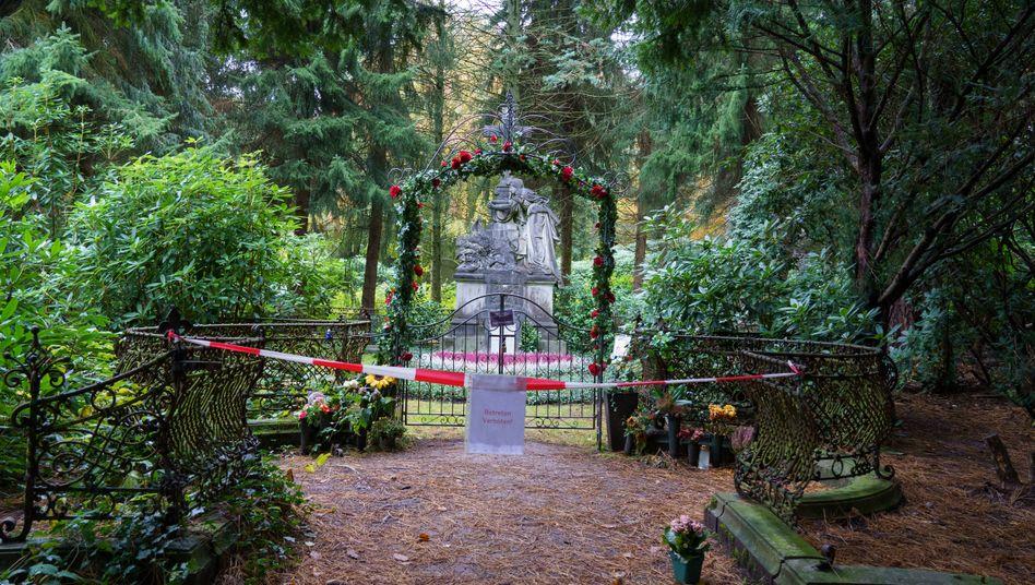 Grabstätte des Hamburger Schauspielers Jan Fedder auf dem Friedhof Hamburg-Ohlsdorf
