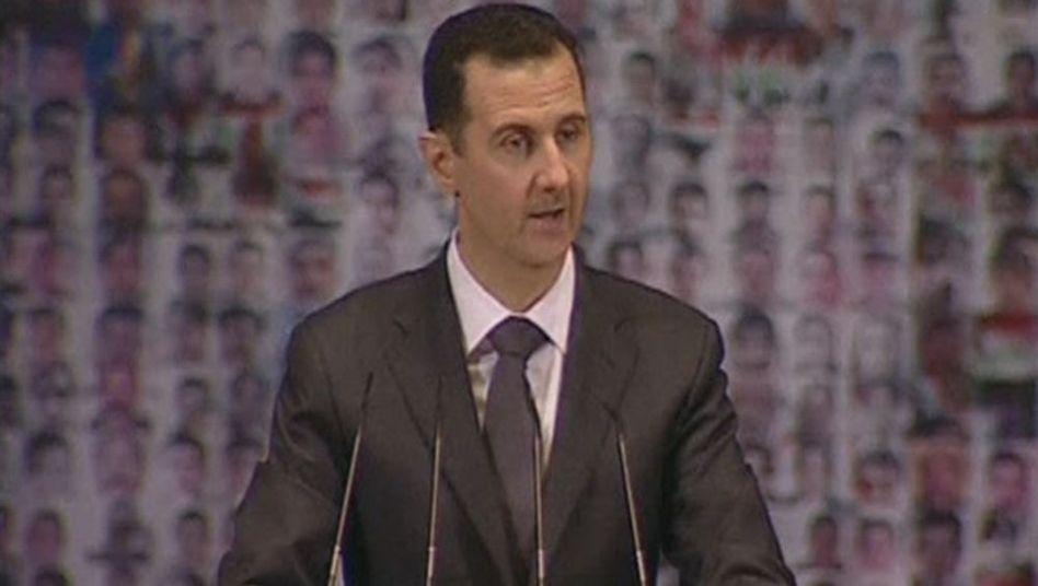 Assad (bei TV-Ansprache im Januar): Gesprächsangebot ohne Vorbedingungen