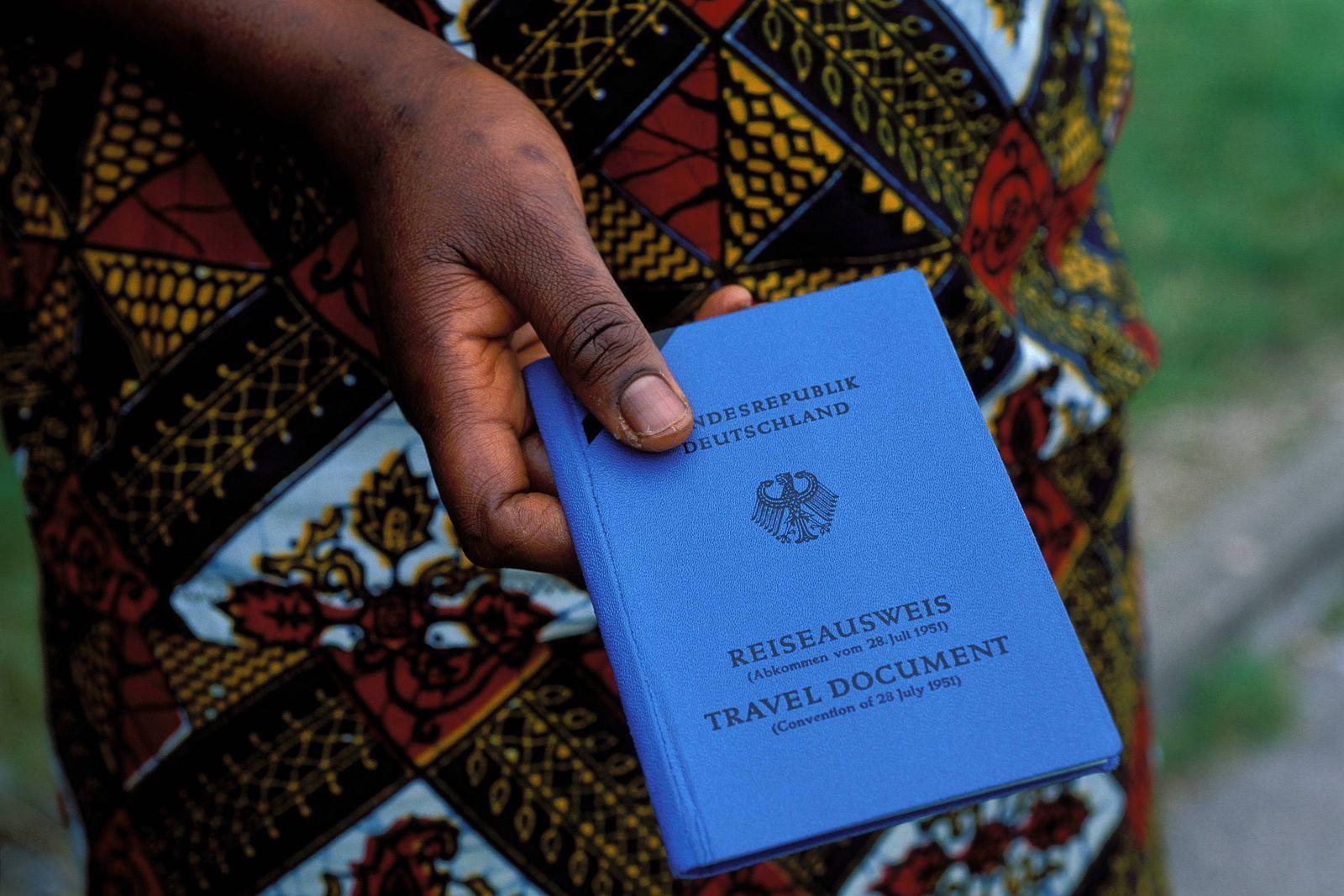 EINMALIGE VERWENDUNG Reiseausweis für Flüchtlinge
