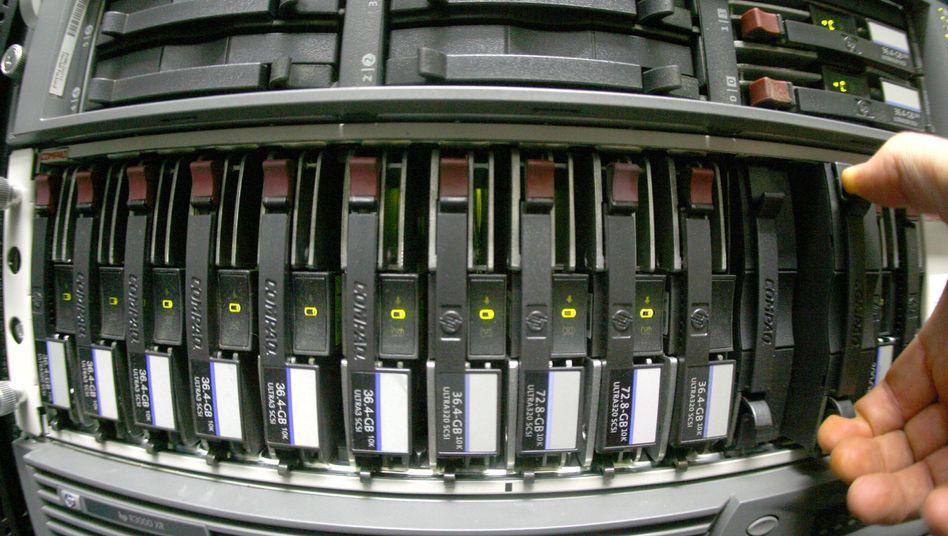 Festplatte in einem Rechenzentrum: Was geht noch ohne Vorratsdatenspeicherung?
