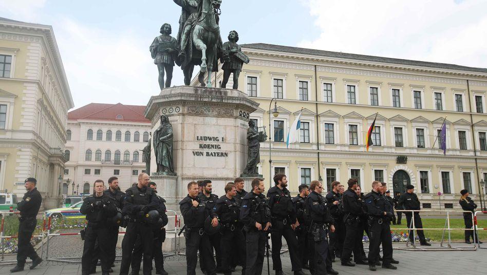 Bayerische Polizisten (Archivaufnahme)