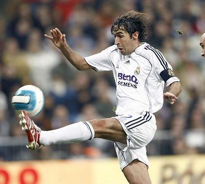 Fußballer von Real Madrid mit BenQ-Shirt: Nach der Pleite des deutschen Handywerks könnte E.on seine Brust bald zieren