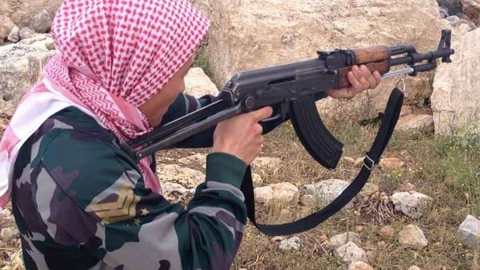 Junger Däne in einem Terrorcamp in Syrien: Umsorge für die Dschihadisten