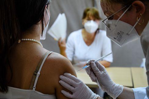Impfung mit Biontech in Leipzig