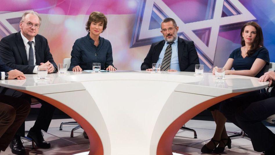 """Moderatorin Illner (3.v.l.) mit ihren Gästen: """"Anschlag in Halle - tödlicher Judenhass in Deutschland"""""""