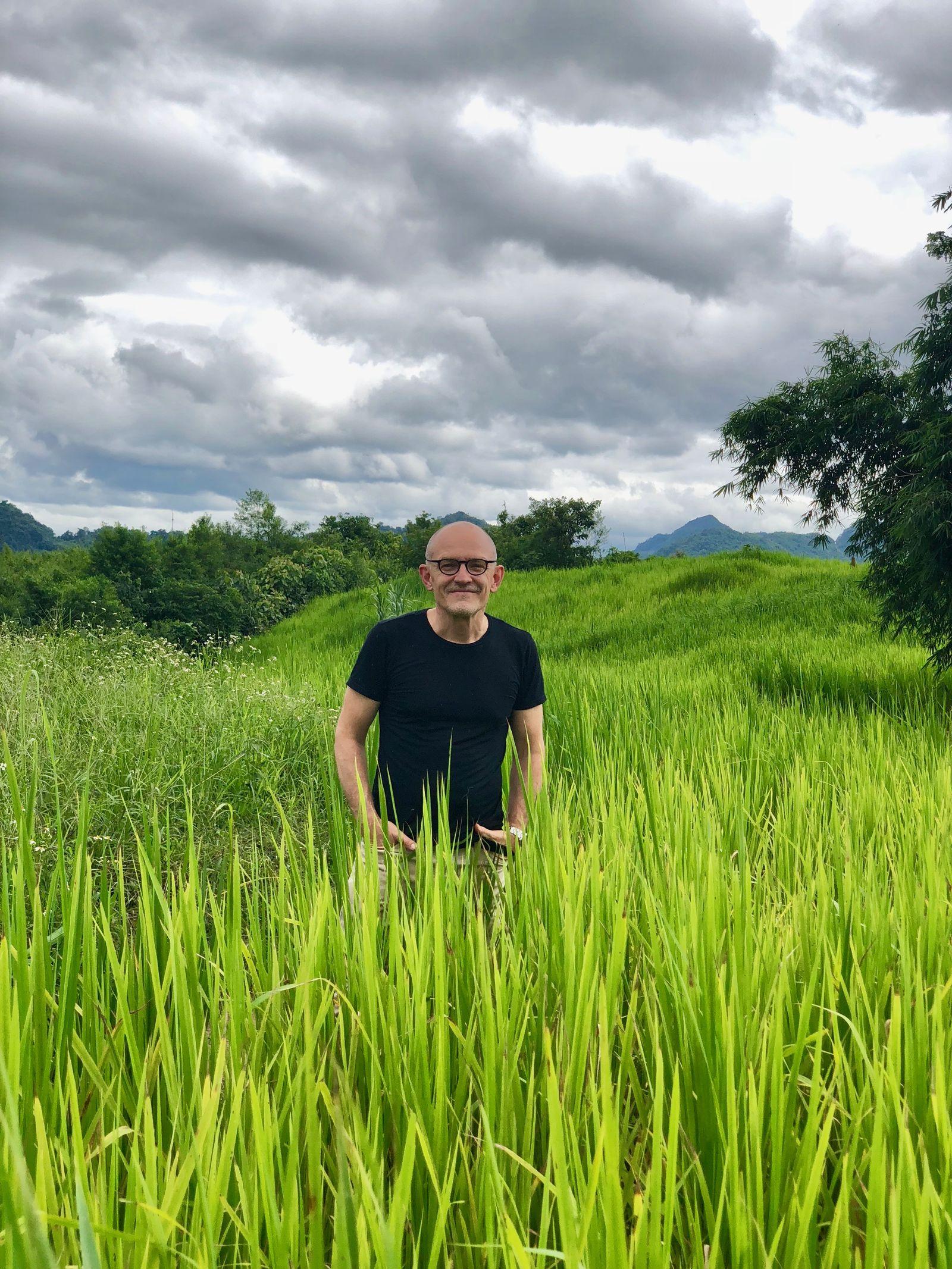 EINMALIGE VERWENDUNG SPIEGEL 41/18 Hausmitteilung Zand in Laos