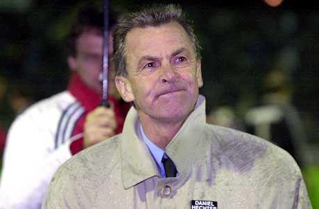 Durchnässt: Bayern-Coach Ottmar Hitzfeld