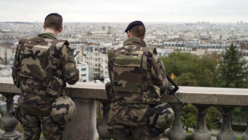 Französische Soldaten auf Patrouille in Paris: Die Türkei warnte vergeblich