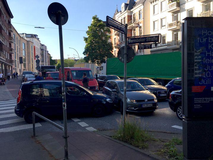 Der Verkehr ist in Wohnvierteln zusammengebrochen