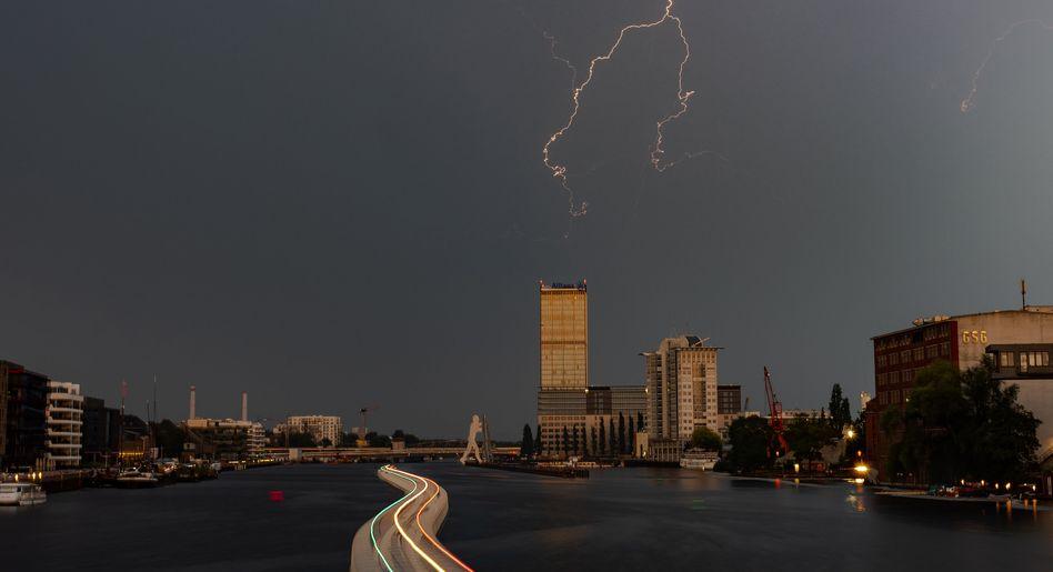 Gewitter über Berlin: Viele zog es an Strände, Seen und Flüsse