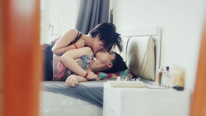 """La La Hand"" - So leben lesbische Paare in Taiwan"