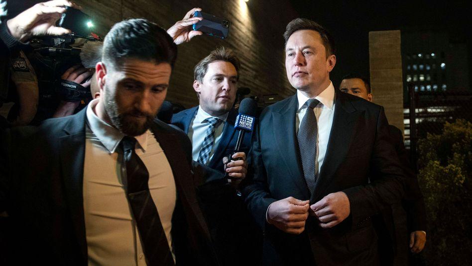 """Elon Musk (r.): """"Ich entschuldige mich bei Herrn Unsworth"""""""