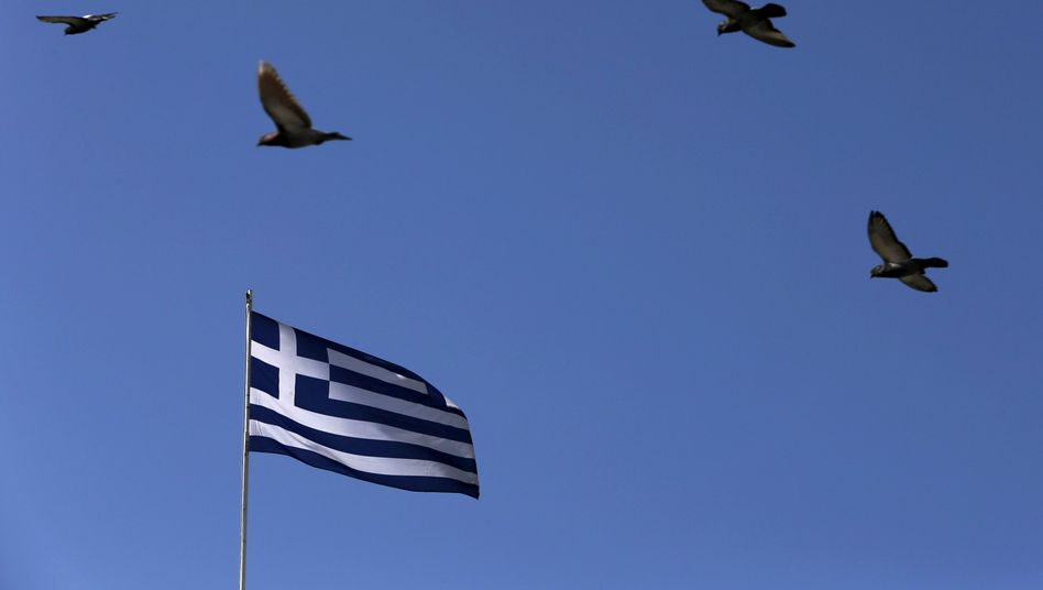 Griechische Flagge: Wut auf Experten aus dem Ausland