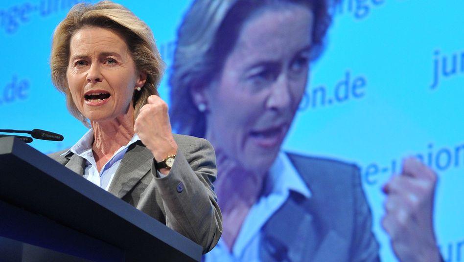 Arbeitsministerin von der Leyen: Fortschritte nur mit der Lupe erkennbar