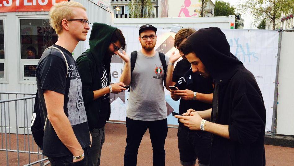Ständiger Blick auf das Telefon: Nachwuchsband Troubles Orchestra auf dem Reeperbahn Festival